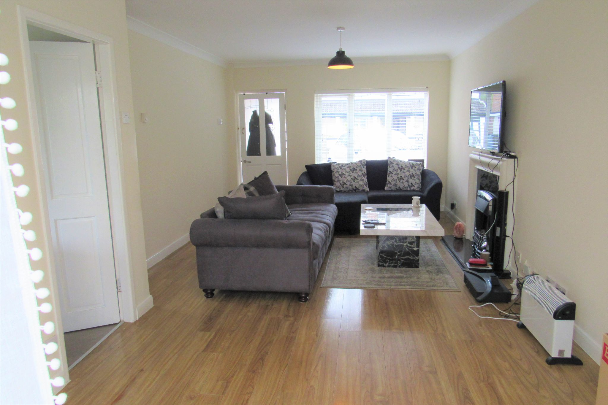 3 bedroom detached house For Sale in Manchester - Photograph 7.