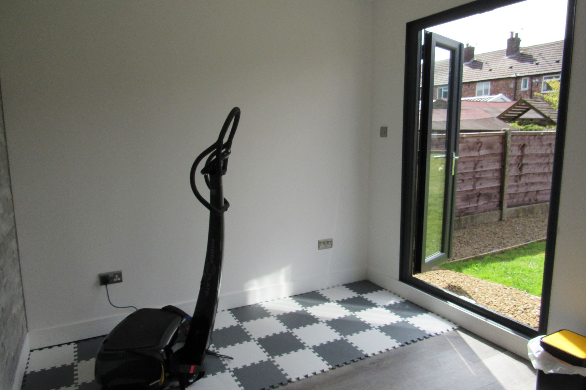 1 bedroom mid terraced house Sale Agreed in Manchester - Photograph 12.