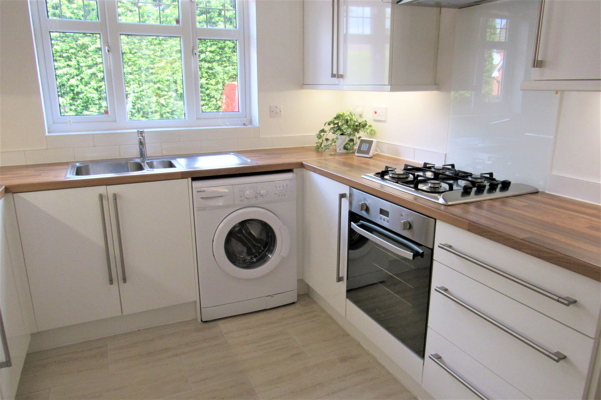 3 bedroom semi-detached house Sale Agreed in Manchester - Photograph 34.