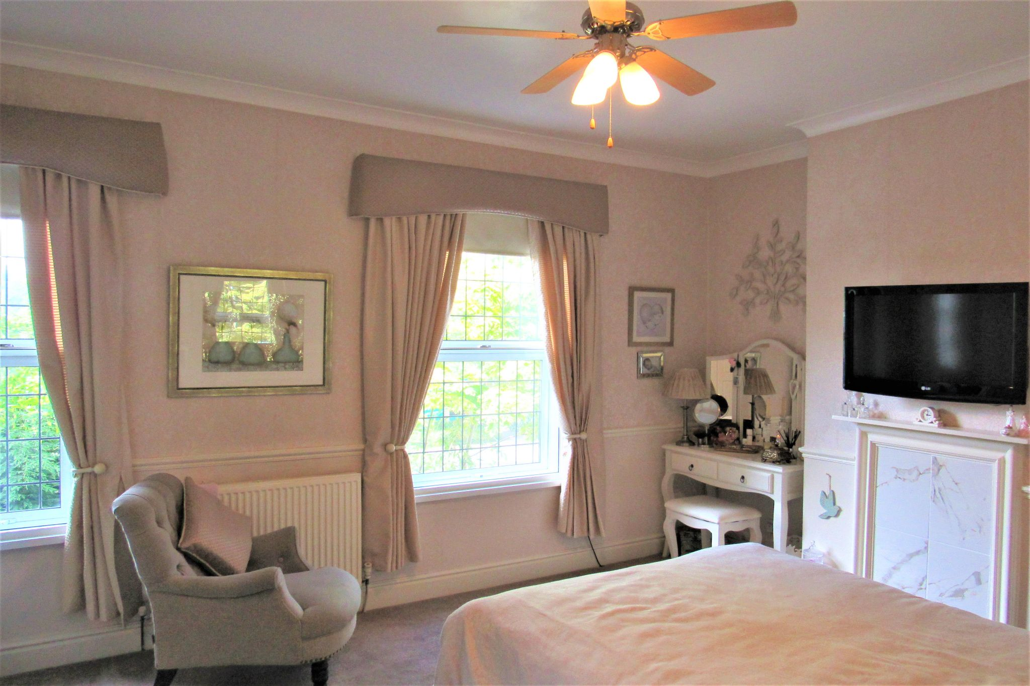 3 bedroom mid terraced house SSTC in Stockport - Photograph 24.