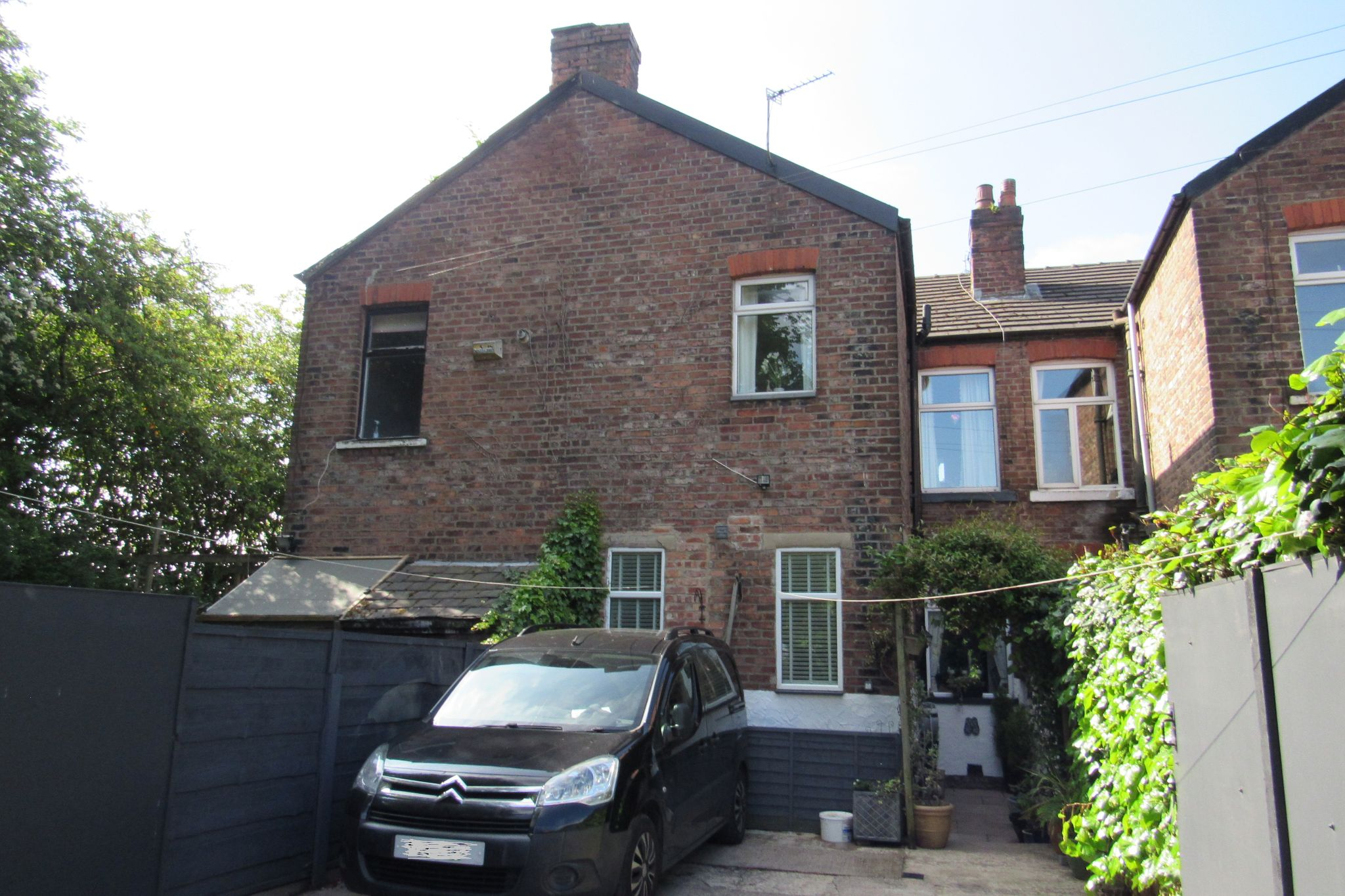 3 bedroom mid terraced house SSTC in Stockport - Photograph 28.