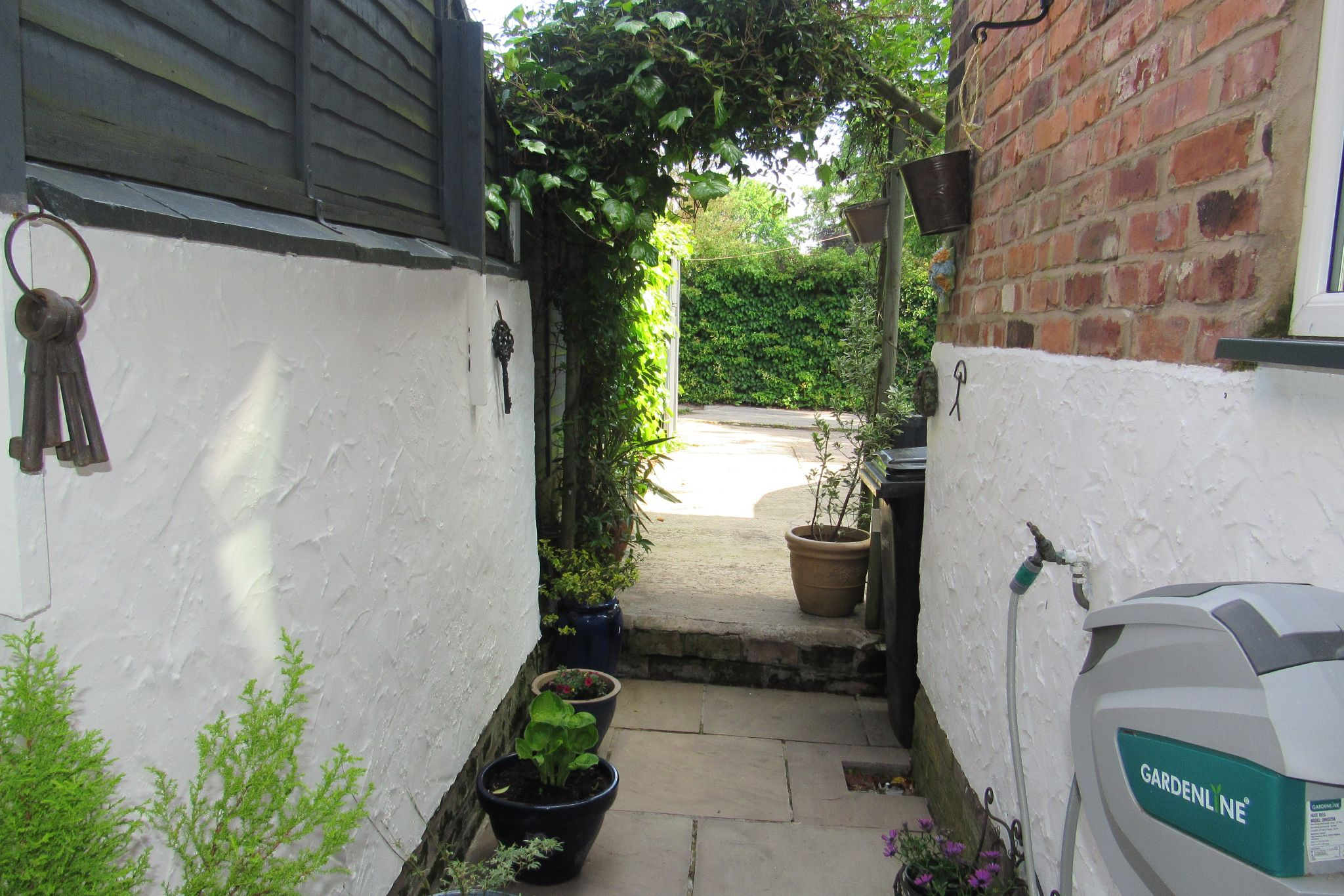 3 bedroom mid terraced house SSTC in Stockport - Photograph 35.