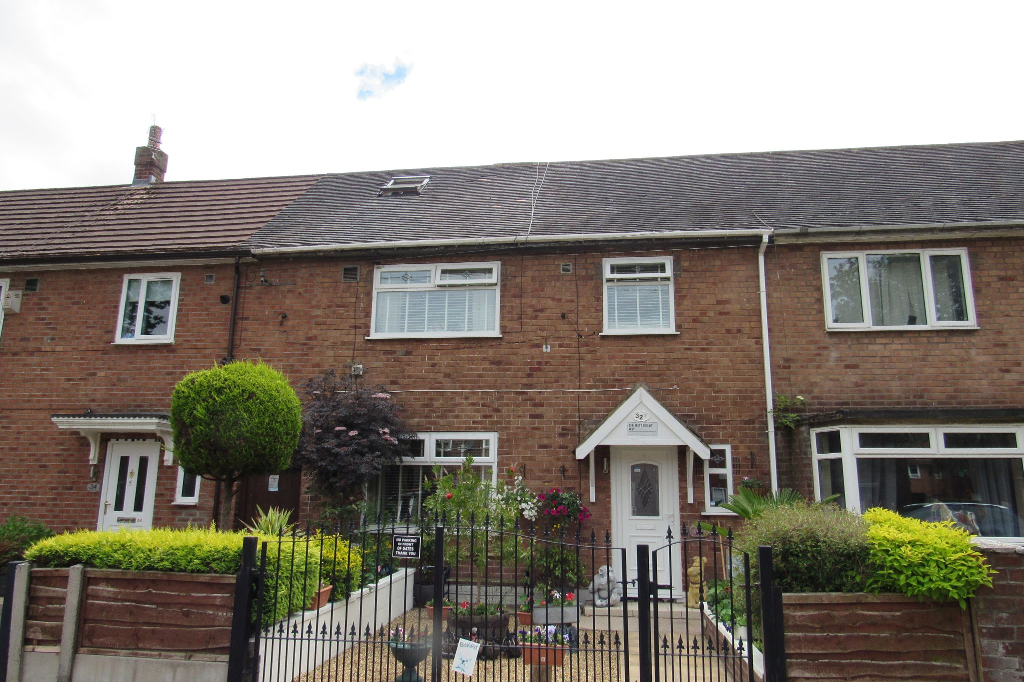 3 bedroom mid terraced house SSTC in Manchester - Photograph 28.