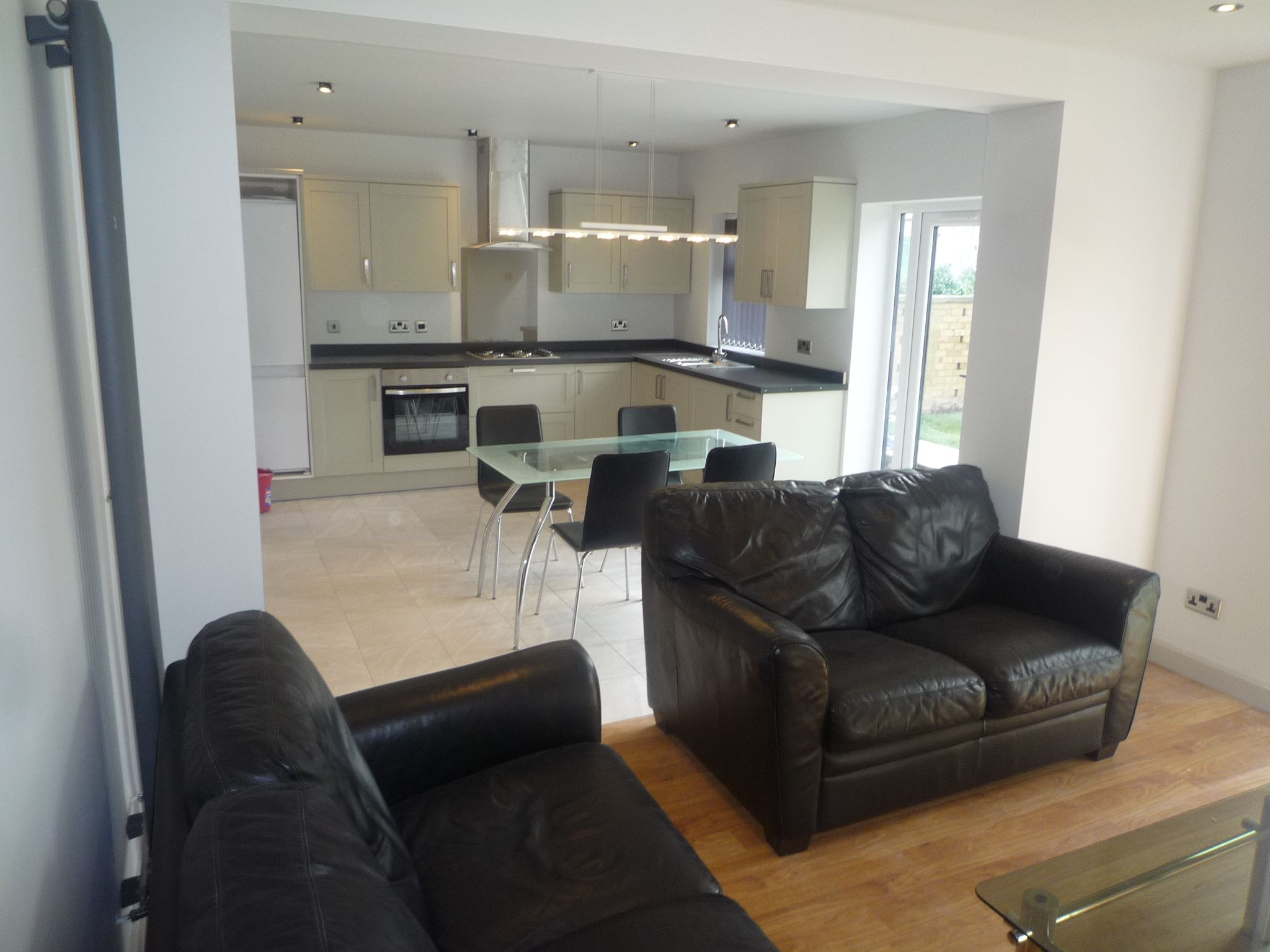 1 bedroom shared house Let in Manchester - Photograph 4.
