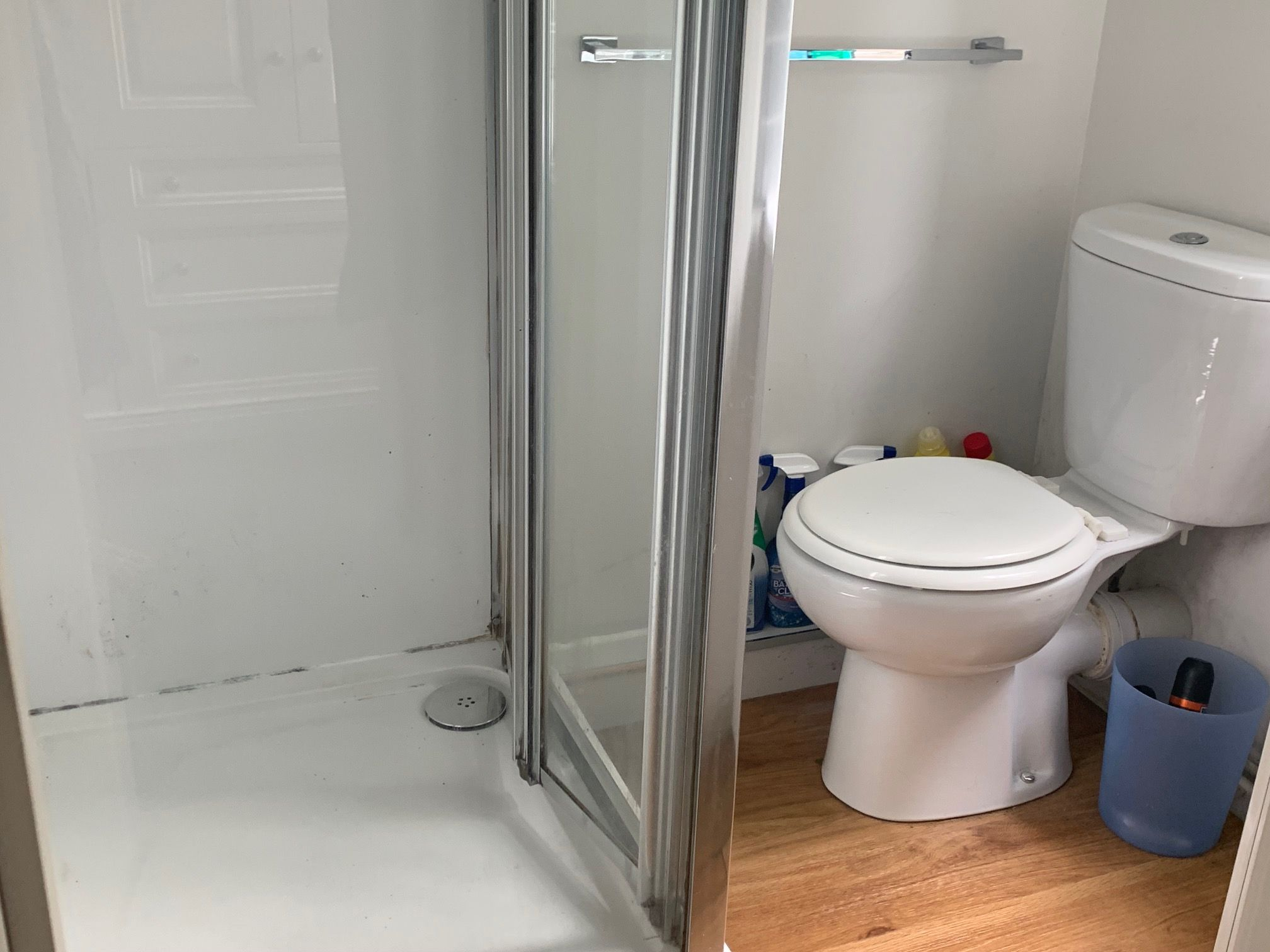1 bedroom shared house To Let in Manchester - Photograph 2.