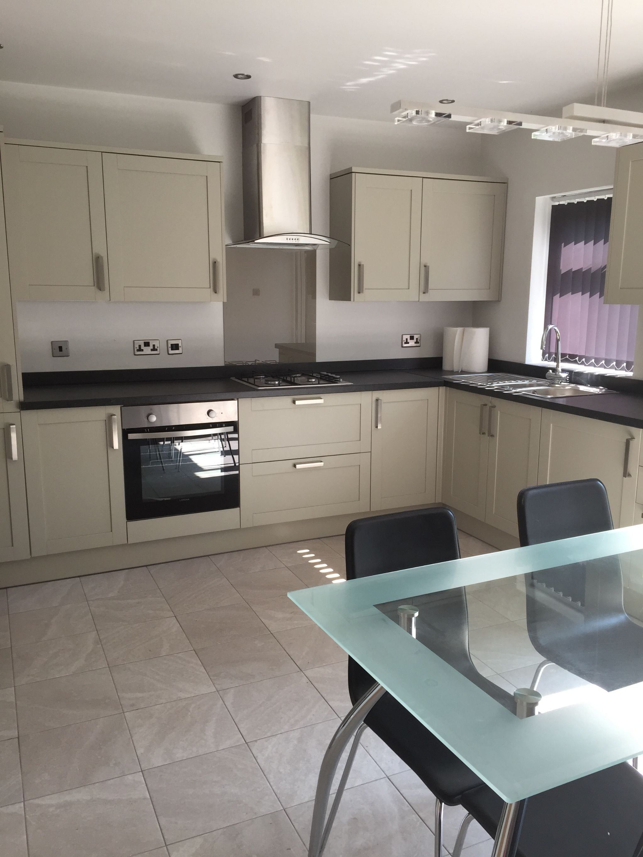 1 bedroom shared house To Let in Manchester - Photograph 3.