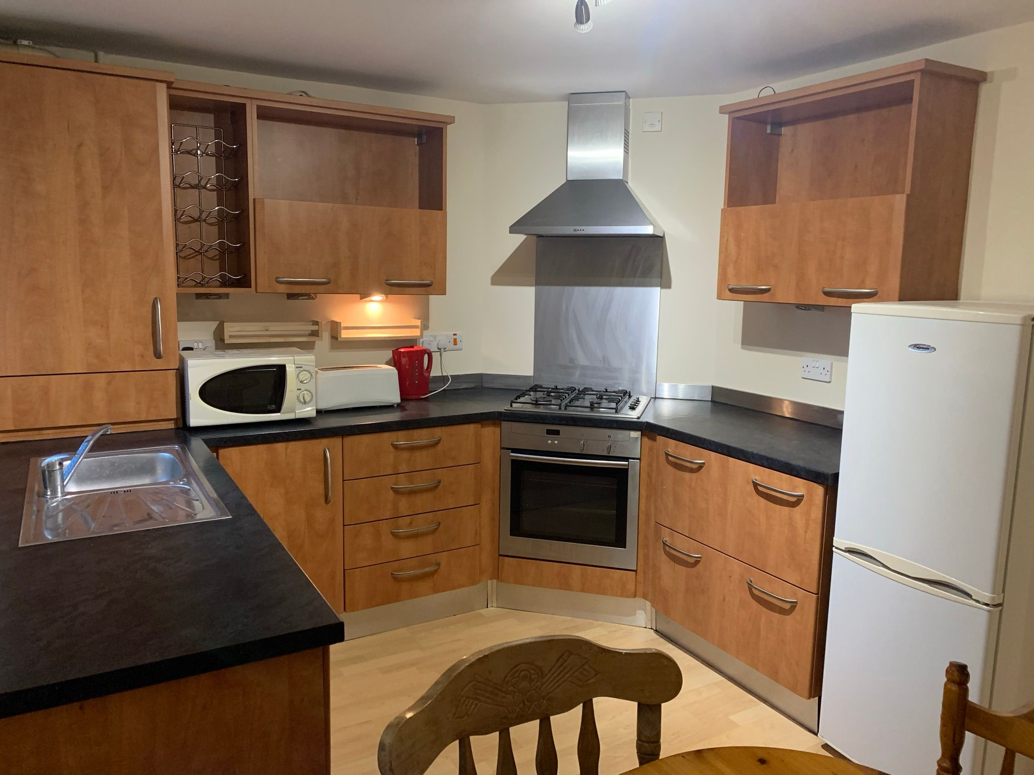 2 bedroom ground floor flat/apartment To Let in Manchester - Photograph 1.