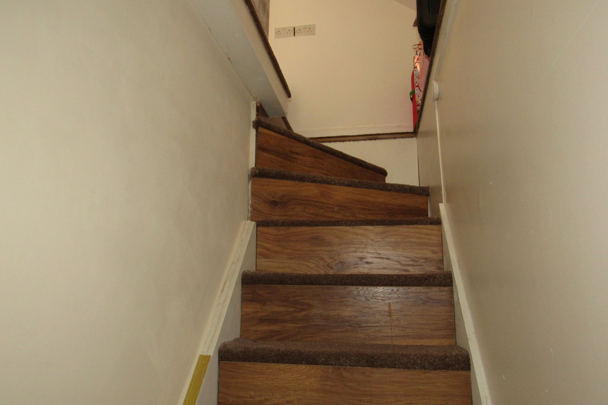 3 bedroom mid terraced house SSTC in Manchester - Photograph 18.