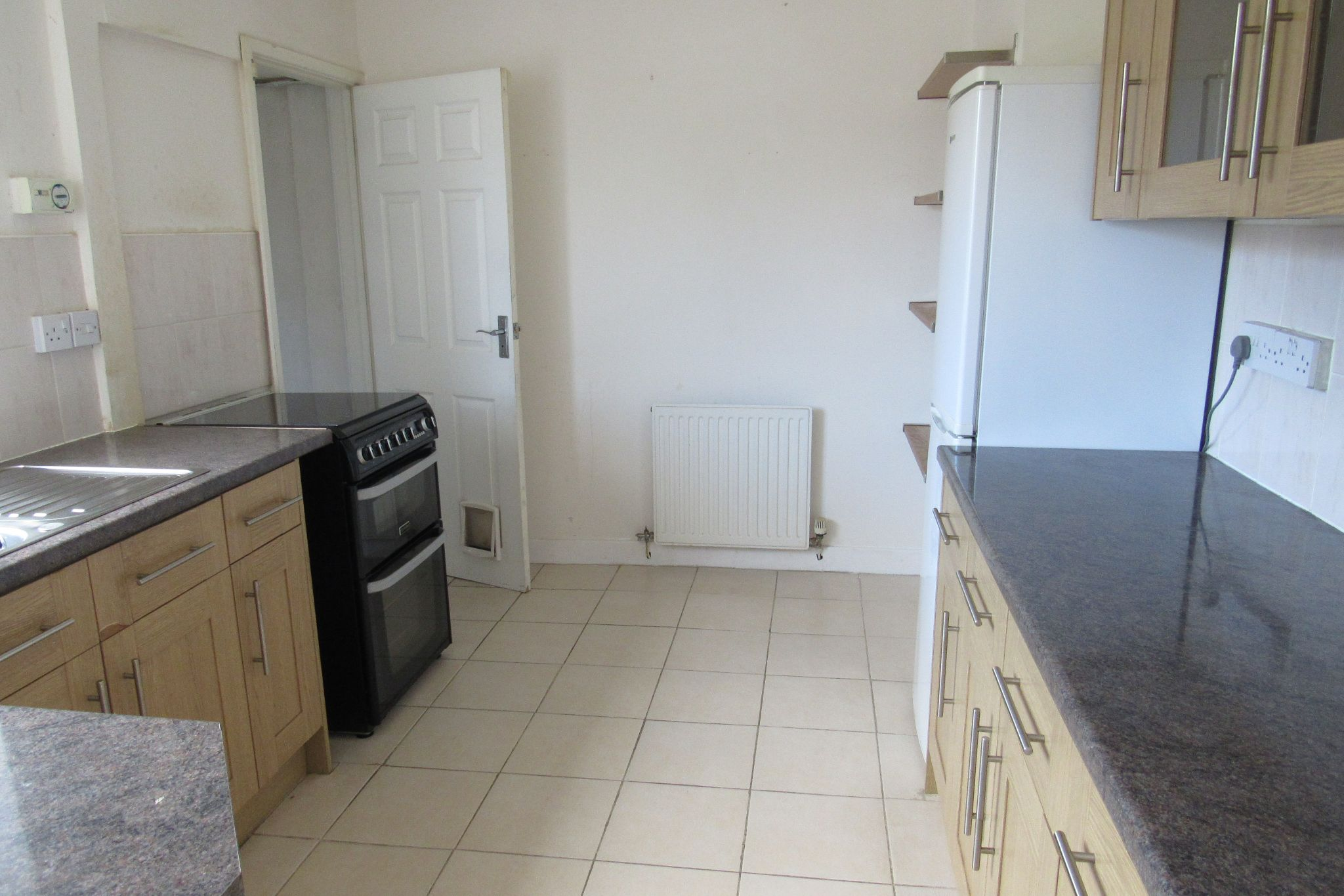 3 bedroom mid terraced house Sale Agreed in Manchester - Photograph 6.