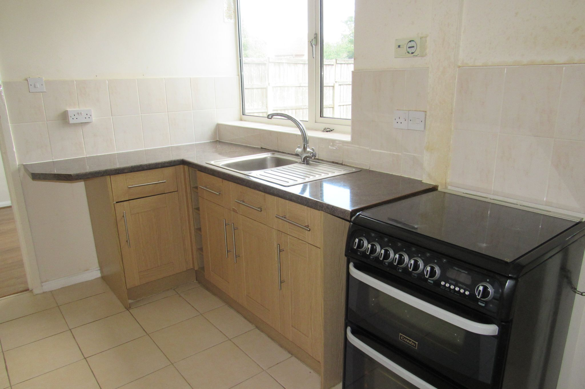 3 bedroom mid terraced house Sale Agreed in Manchester - Photograph 8.