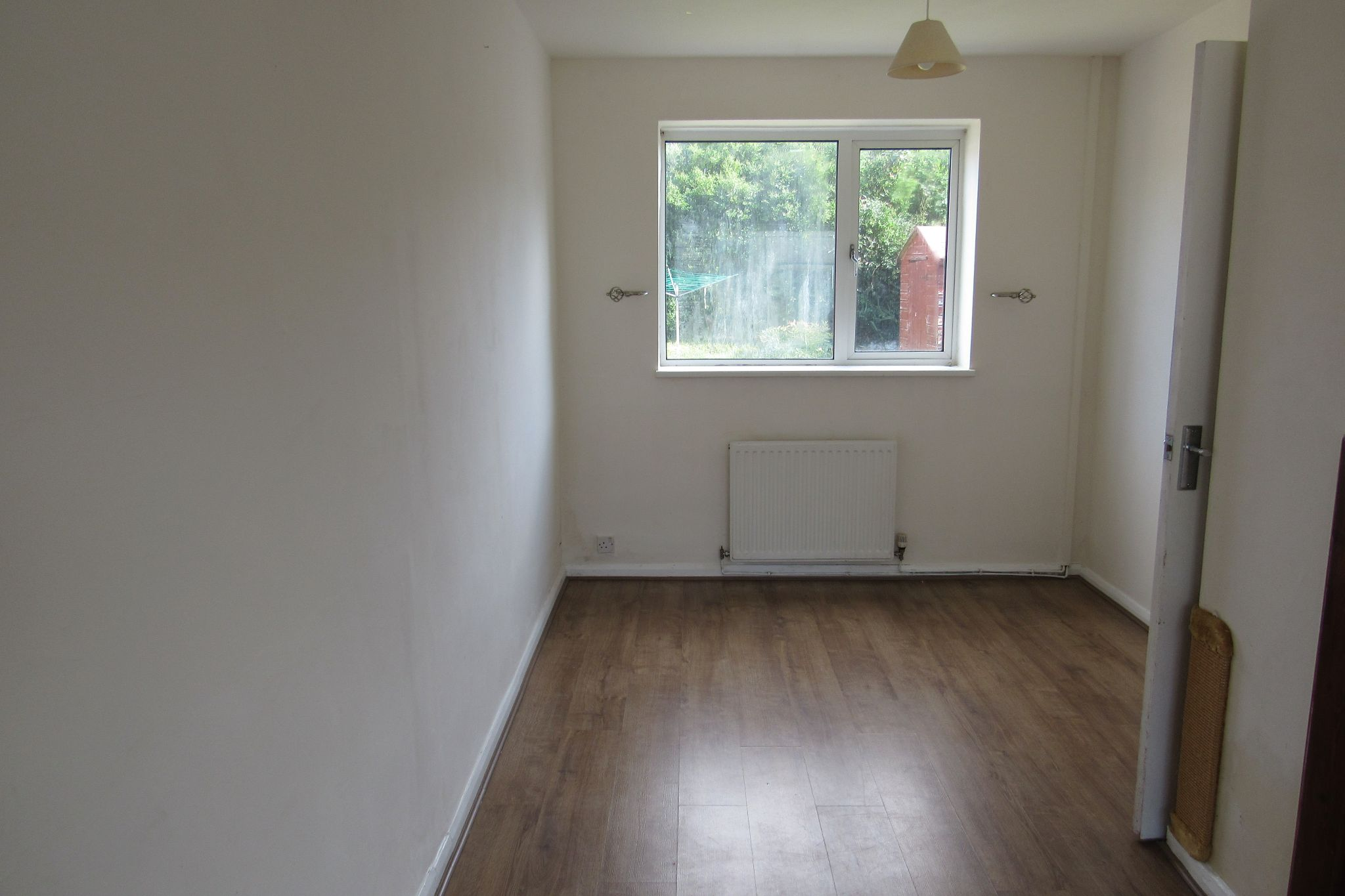 3 bedroom mid terraced house Sale Agreed in Manchester - Photograph 3.