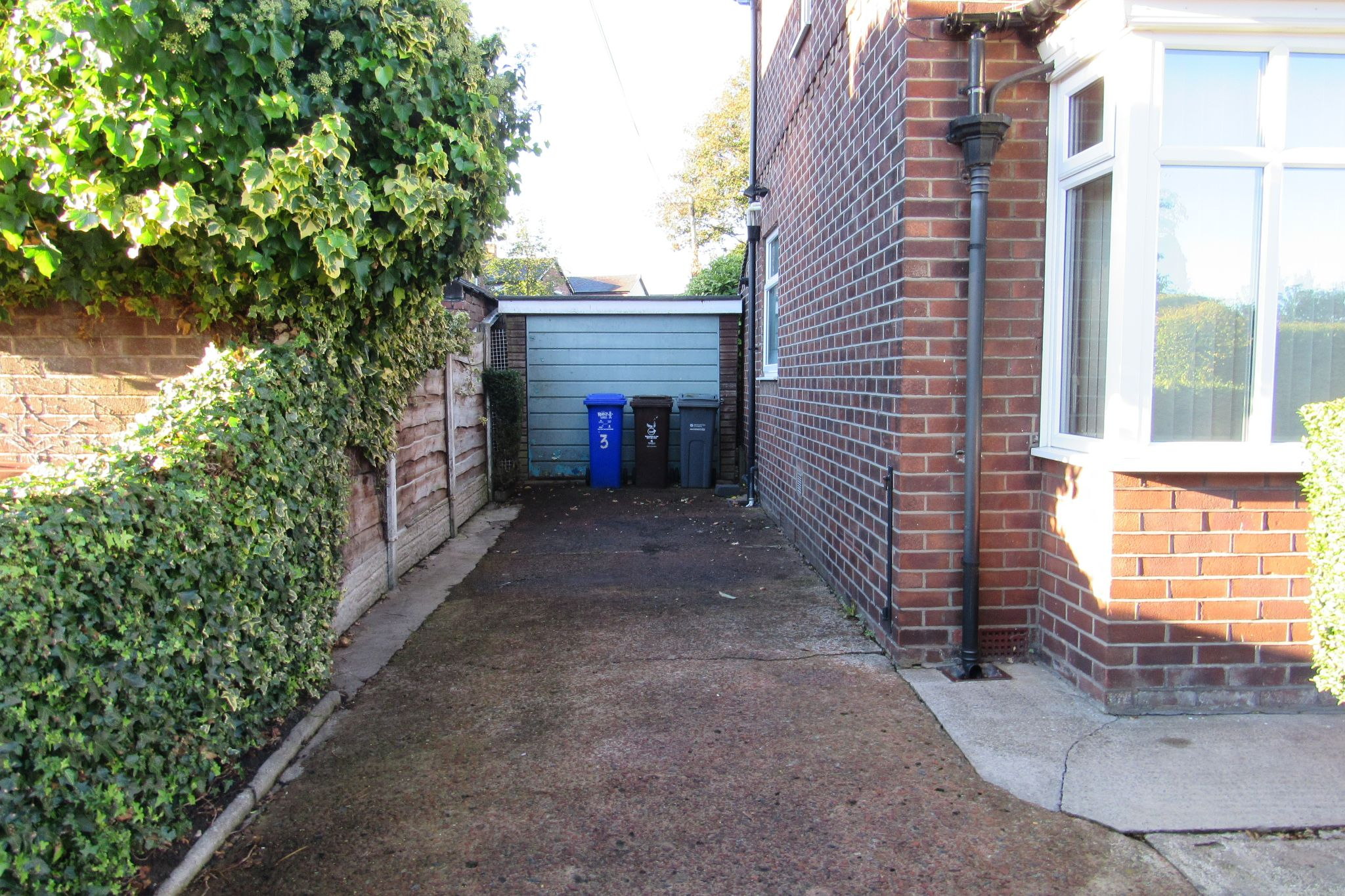 3 bedroom semi-detached house For Sale in Manchester - Photograph 7.