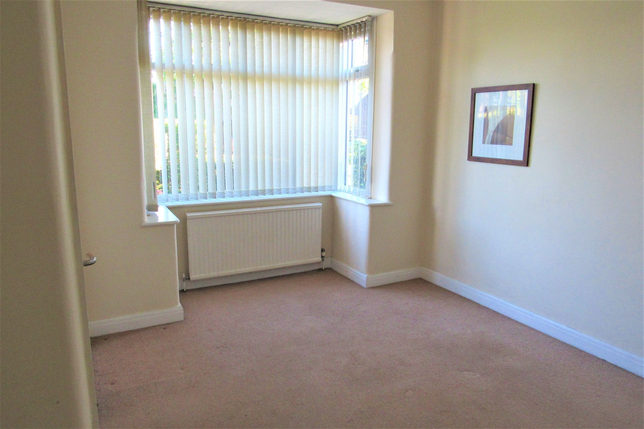 3 bedroom semi-detached house For Sale in Manchester - Photograph 11.