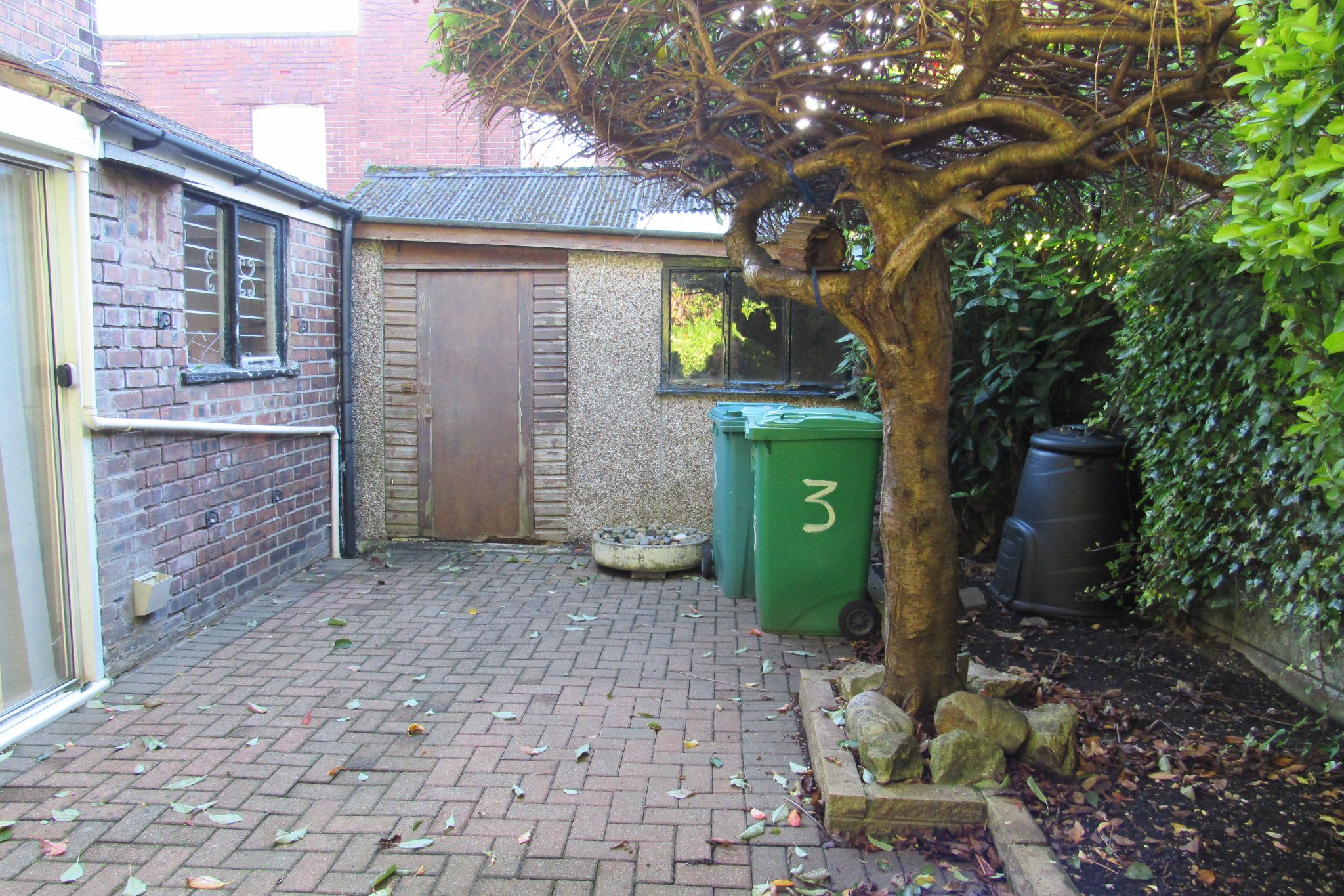 3 bedroom semi-detached house For Sale in Manchester - Photograph 30.