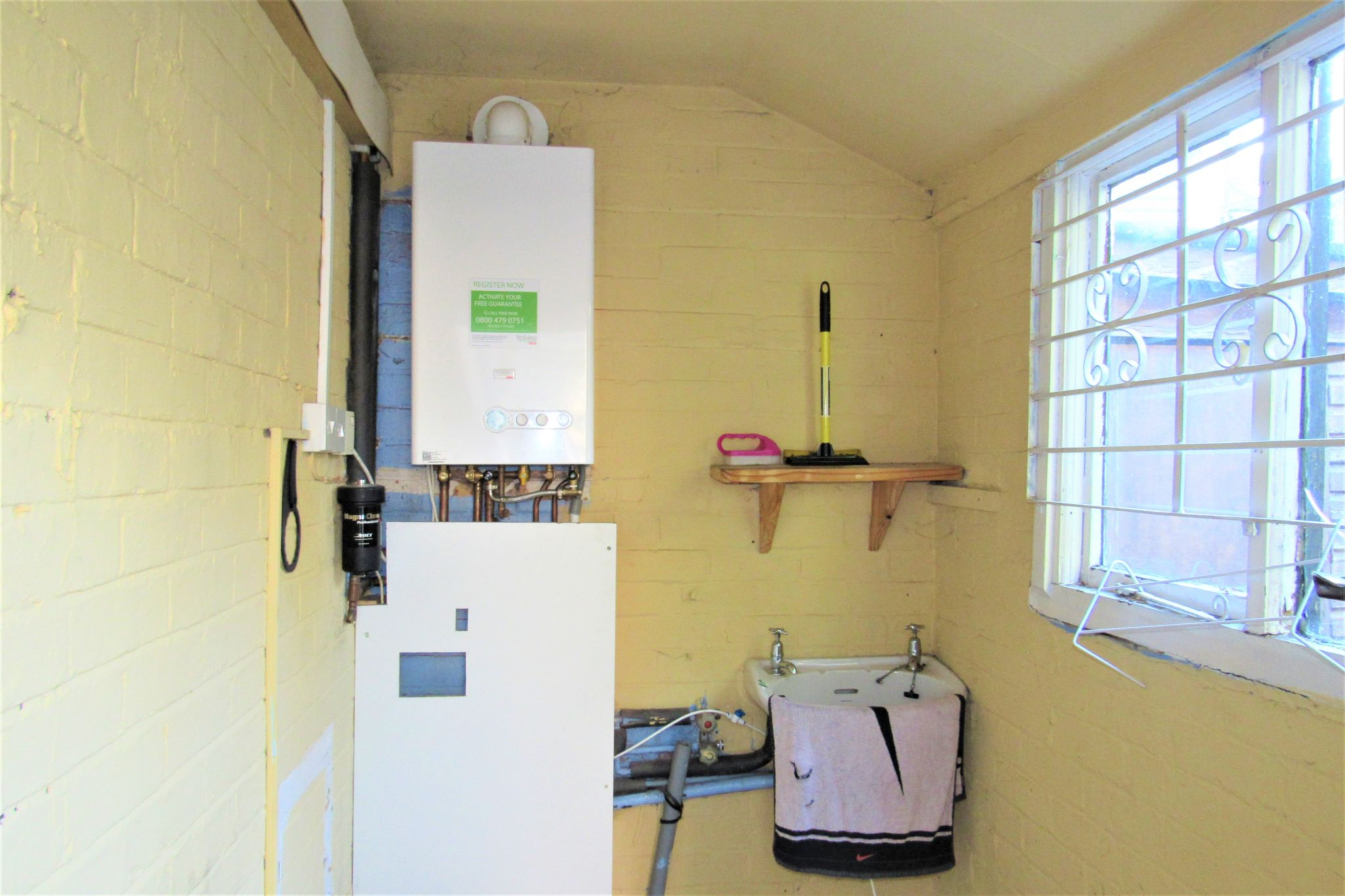 3 bedroom semi-detached house For Sale in Manchester - Photograph 15.