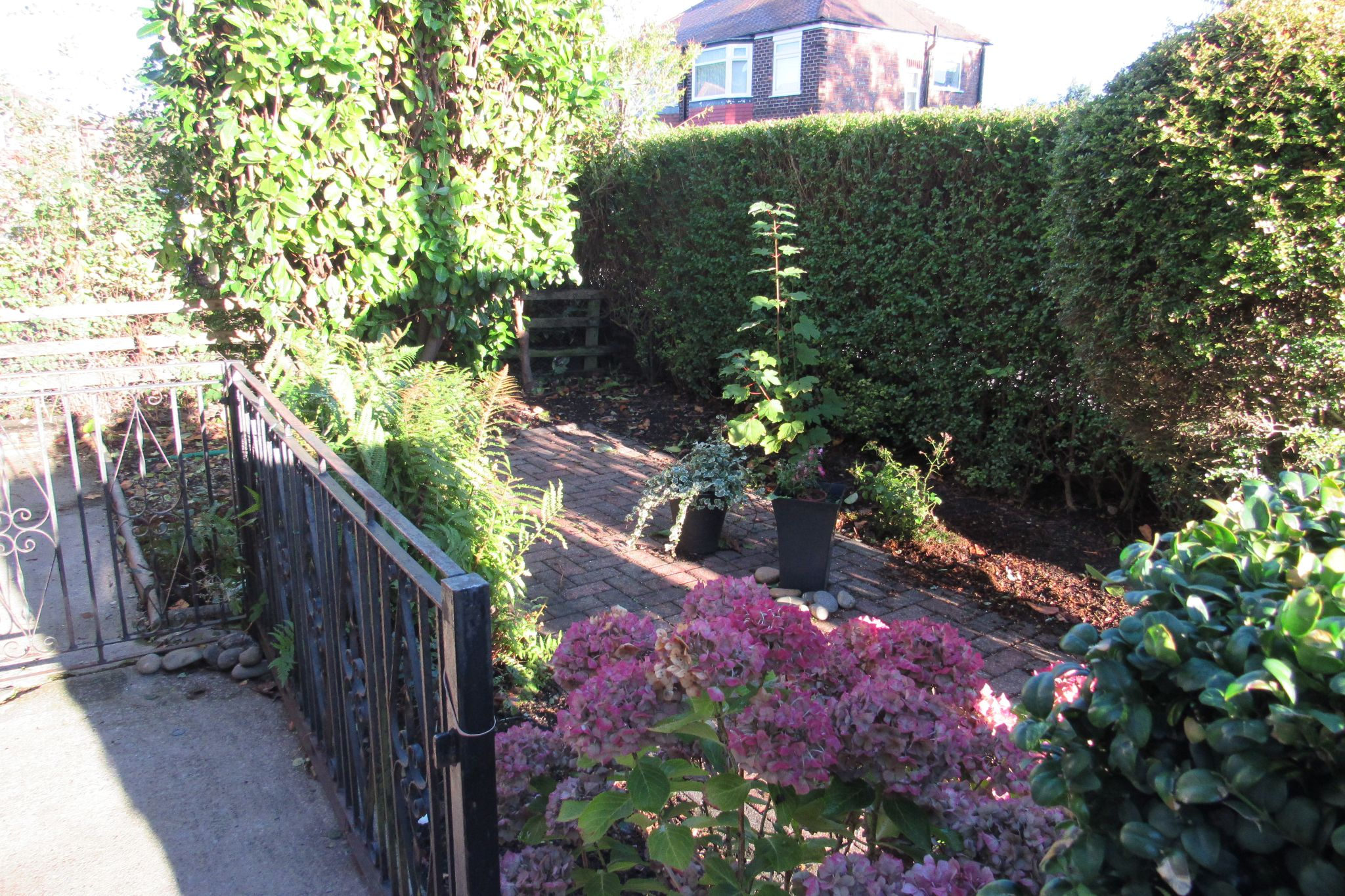 3 bedroom semi-detached house For Sale in Manchester - Photograph 9.