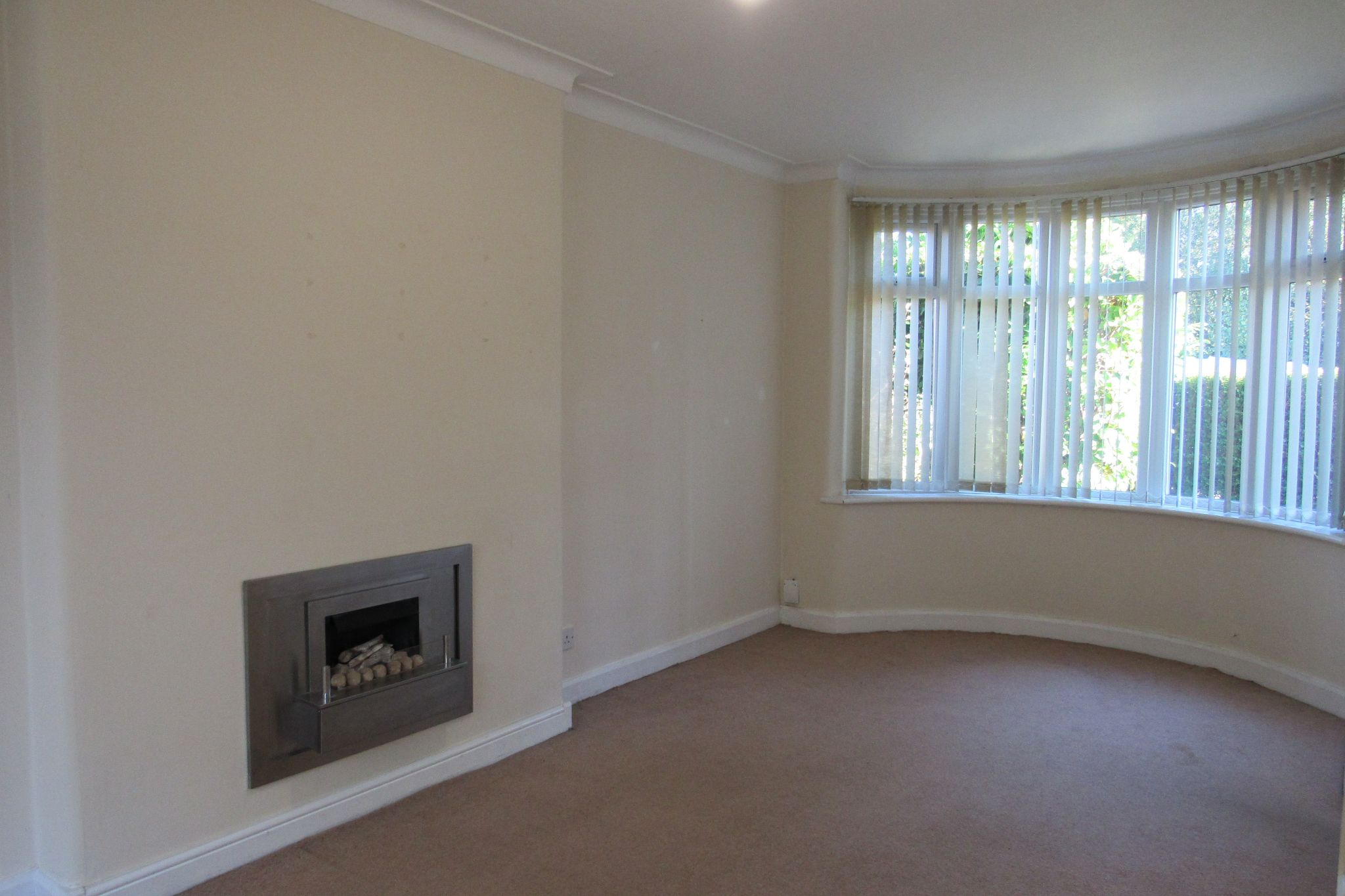 3 bedroom semi-detached house For Sale in Manchester - Photograph 27.