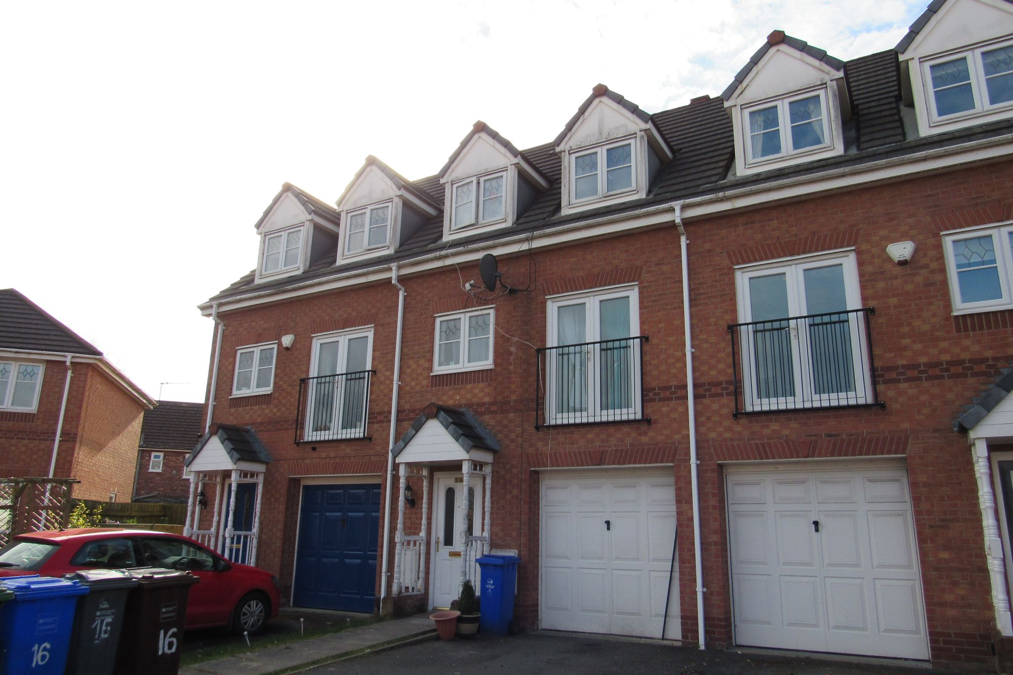 3 bedroom town house SSTC in Manchester - Photograph 1.