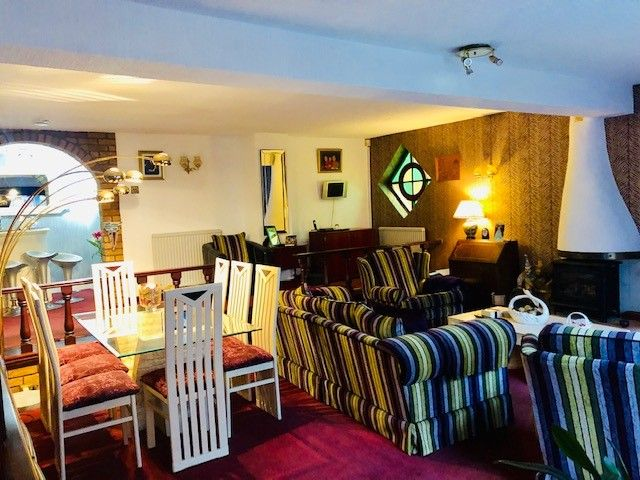 Holiday Flats For Sale - Photograph  5 private living