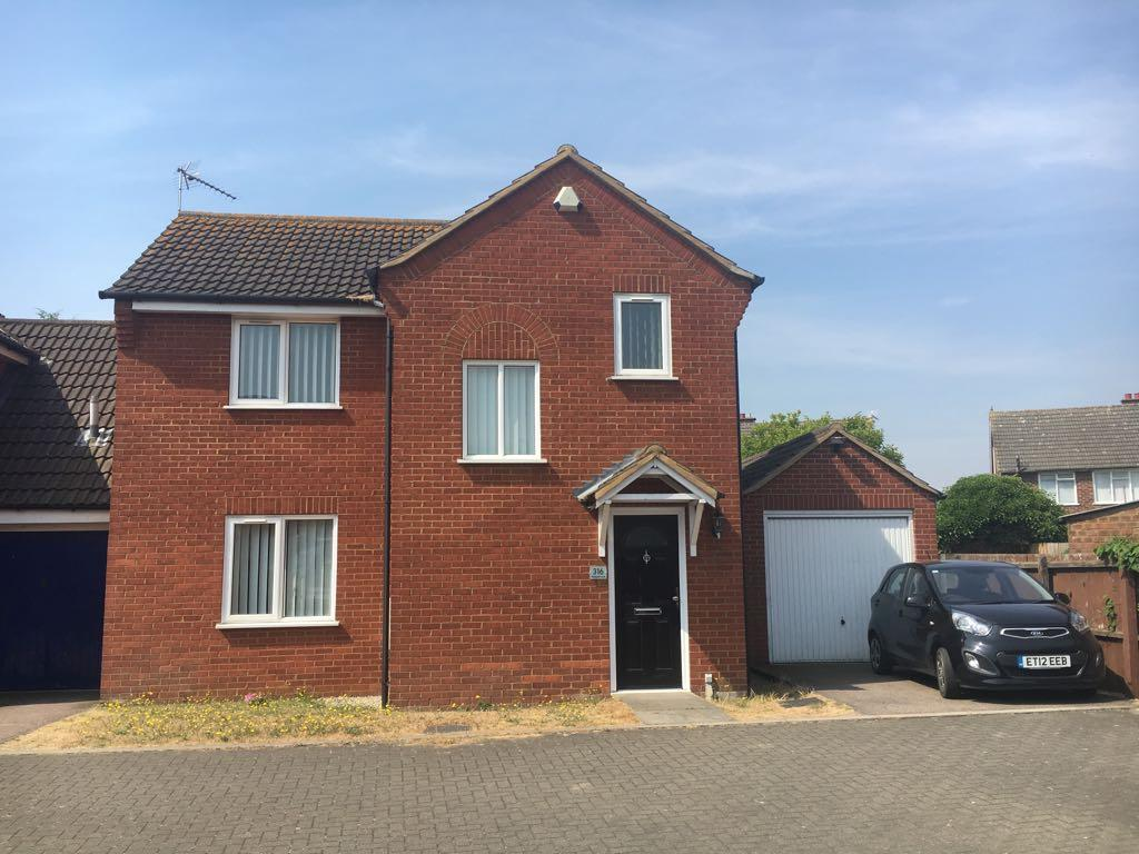 3 bedroom link detached house To Let in Ipswich - Photograph 1