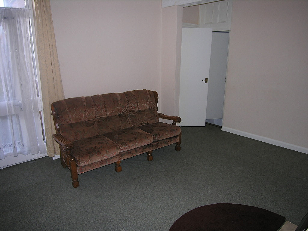 1 bedroom ground floor flat/apartment To Let in Ipswich - Photograph 3