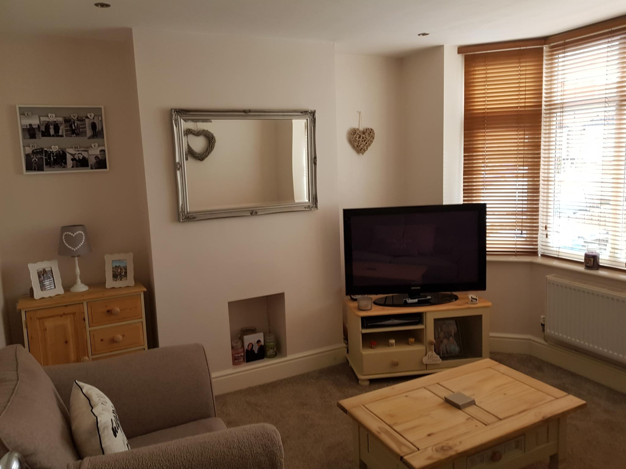 3 bedroom mid terraced house SSTC in Ipswich - 3