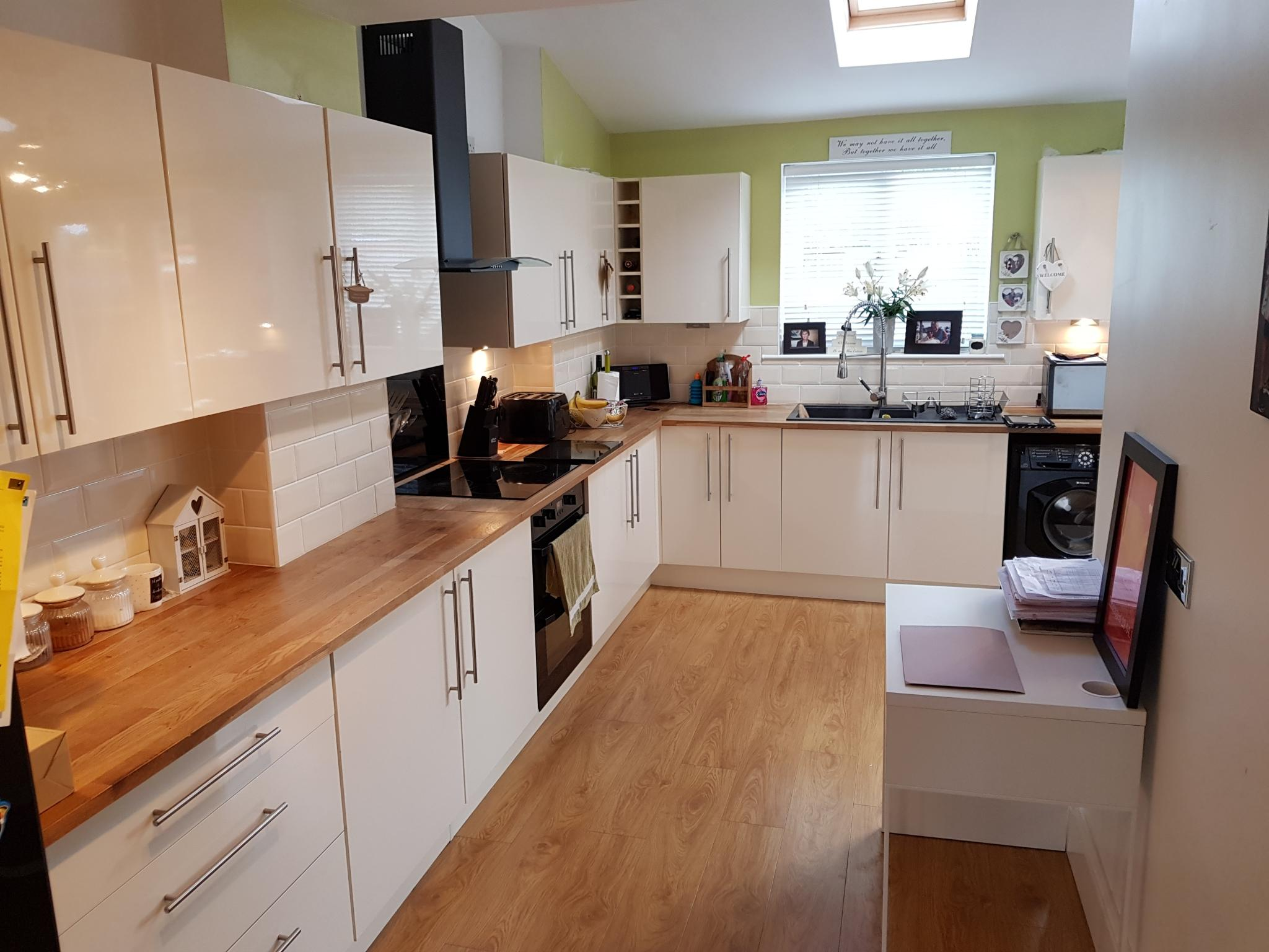 3 bedroom mid terraced house SSTC in Ipswich - 5