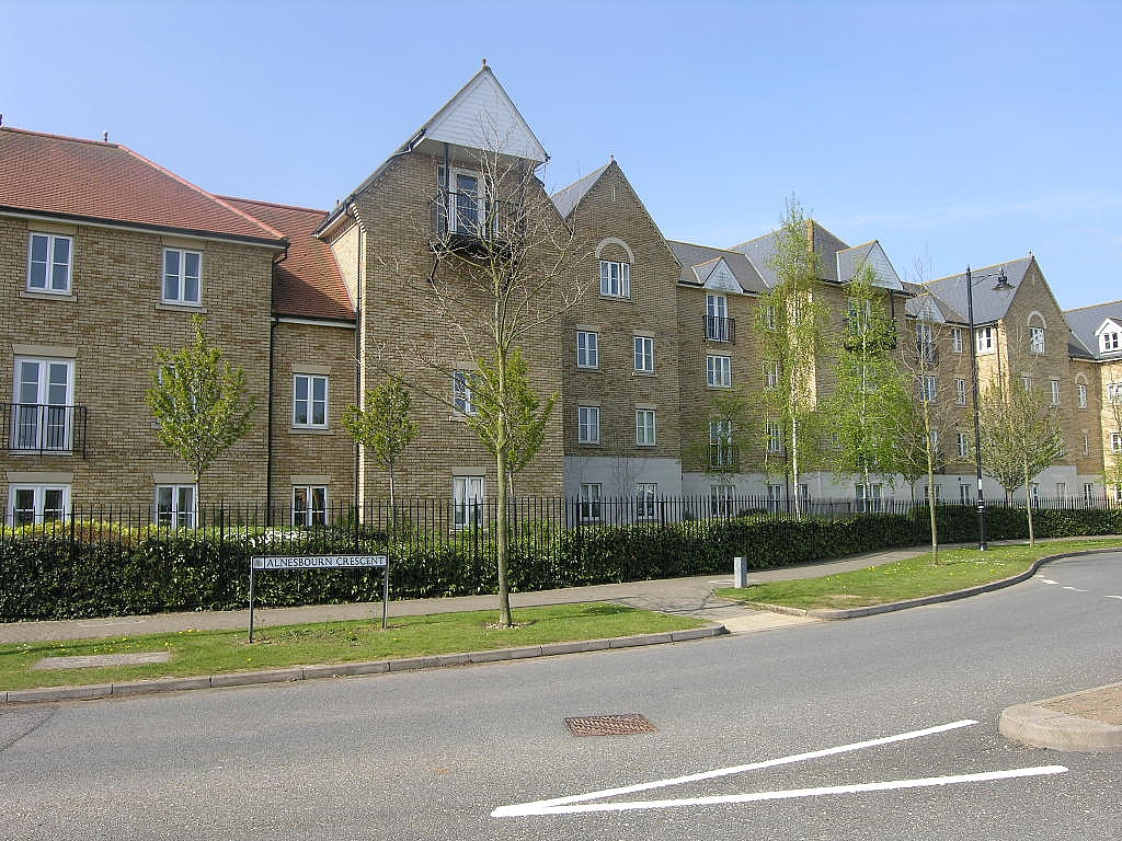 2 bedroom flat flat/apartment To Let in Ipswich - Photograph 1