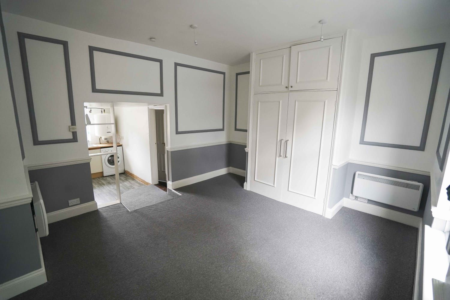 Studio Flat/apartment To Let in Ipswich - Photograph 2