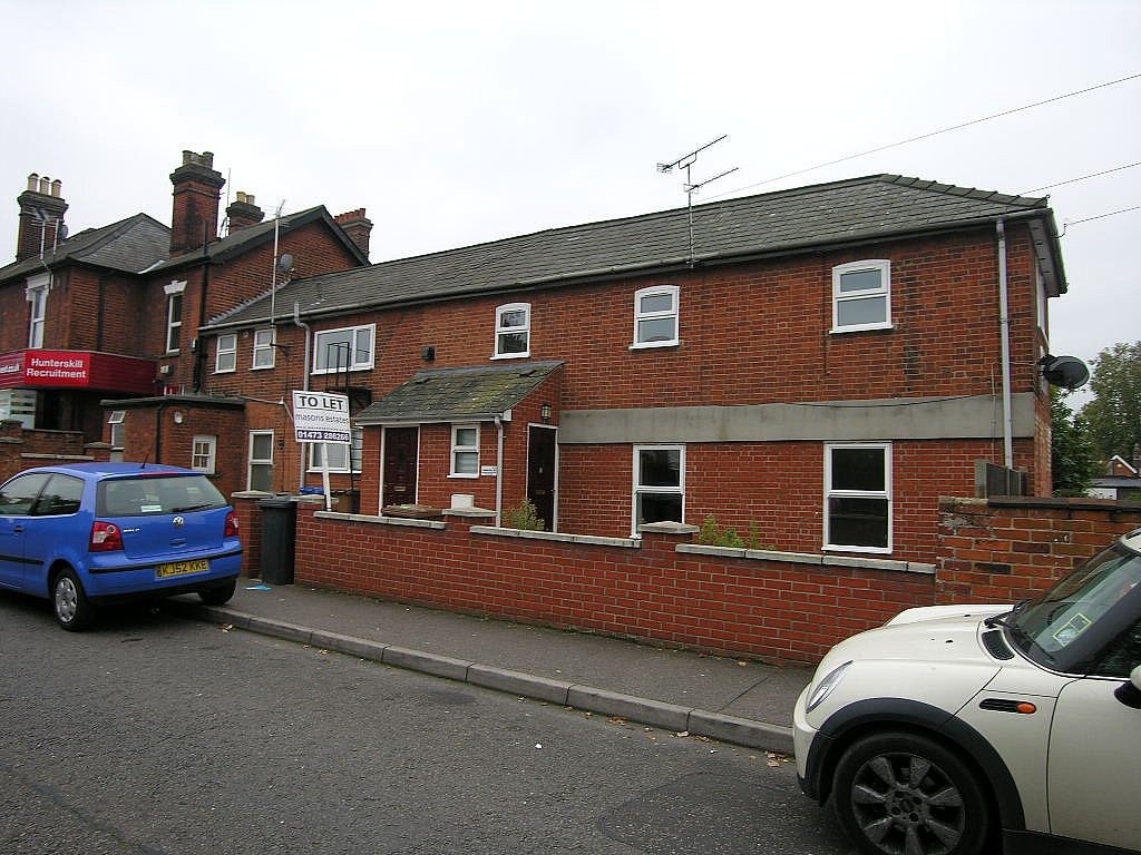 1 bedroom flat flat/apartment To Let in Ipswich - Photograph 1