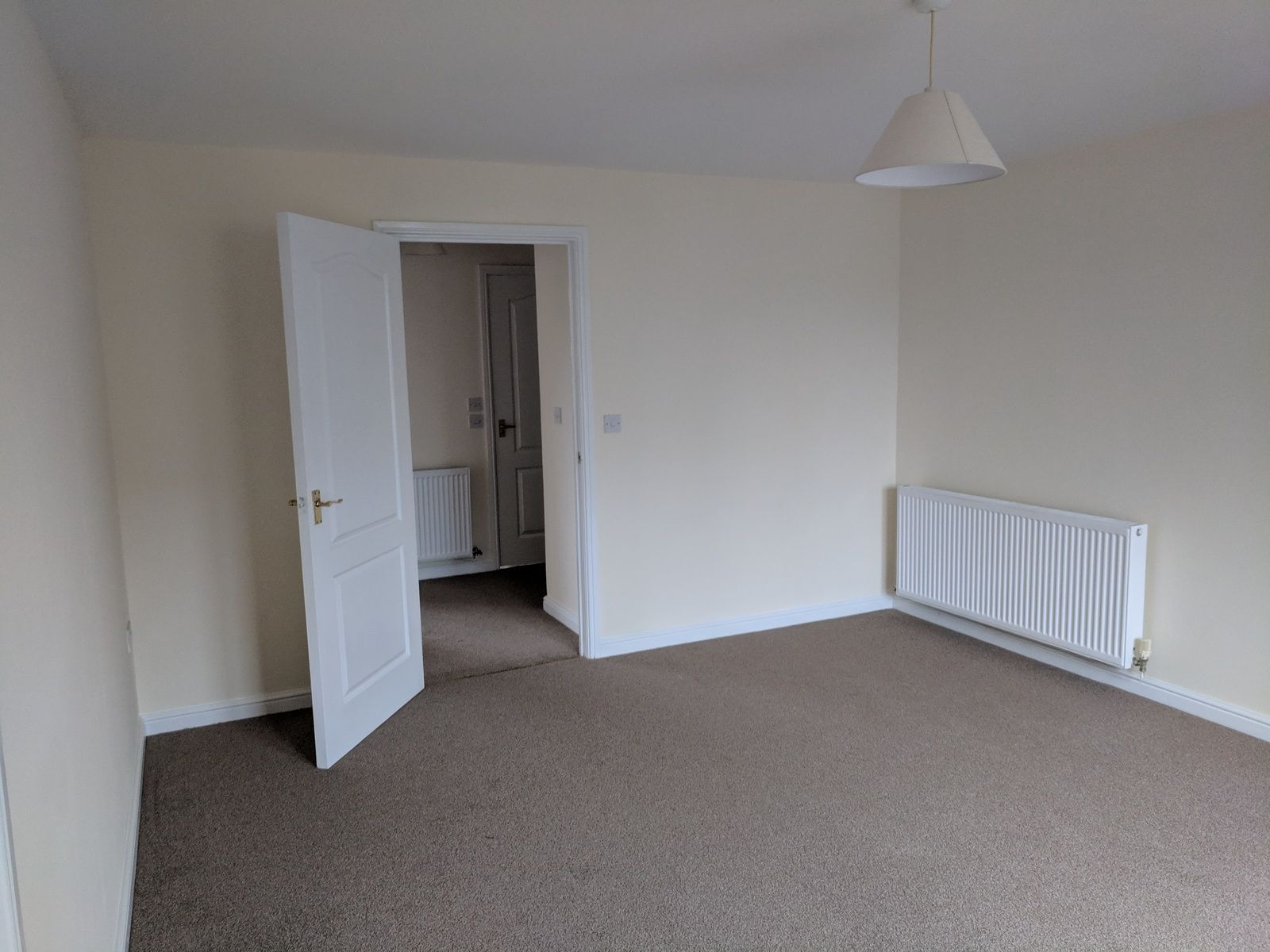 2 bedroom apartment flat/apartment SSTC in Ipswich - Photograph 2