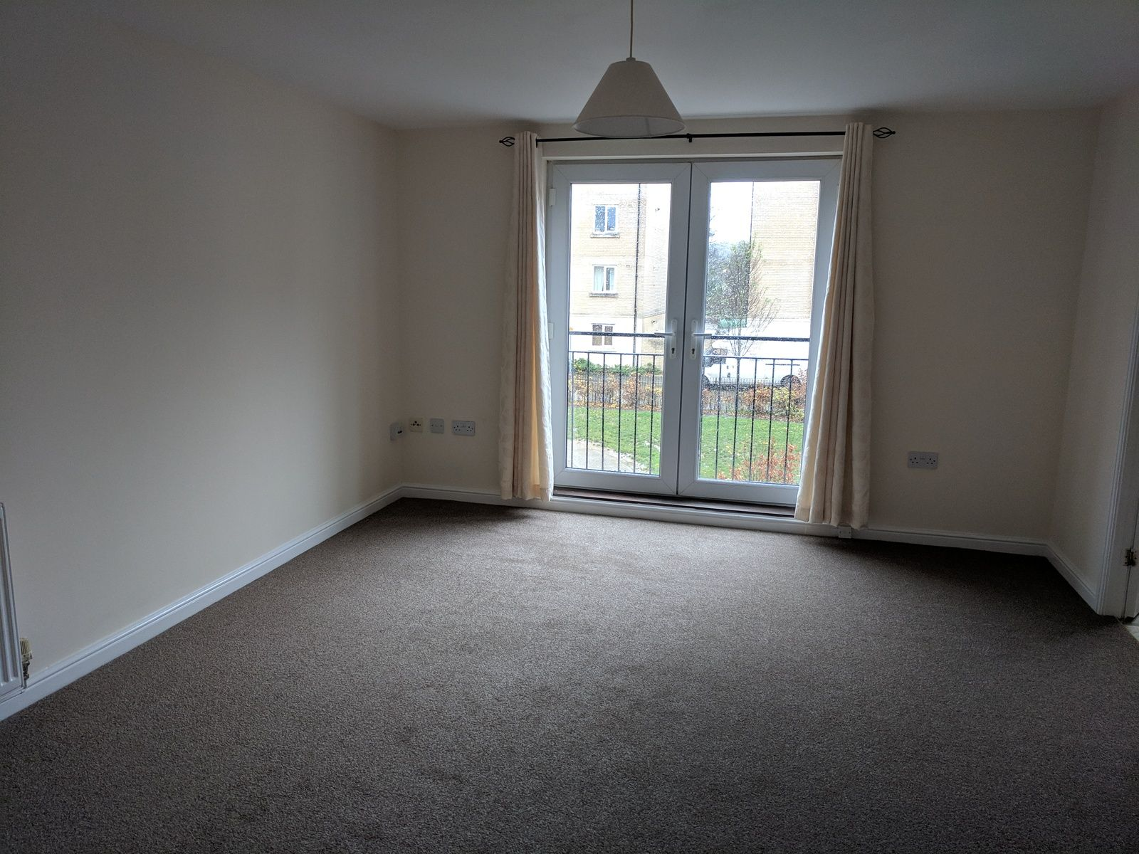 2 bedroom apartment flat/apartment SSTC in Ipswich - Photograph 1