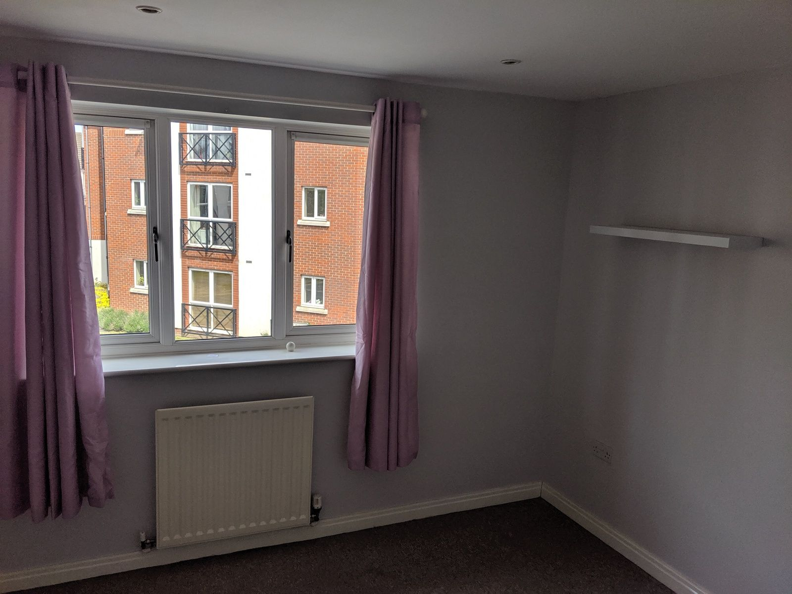 2 bedroom mid terraced house For Sale in Ipswich - Photograph 5
