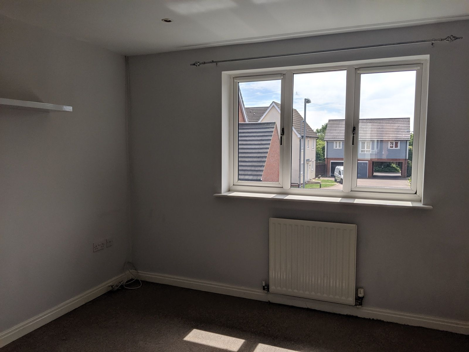 2 bedroom mid terraced house For Sale in Ipswich - Photograph 4