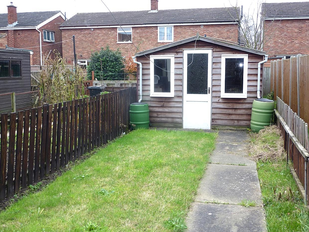 2 bedroom semi-detached house To Let in Ipswich - Photograph 6