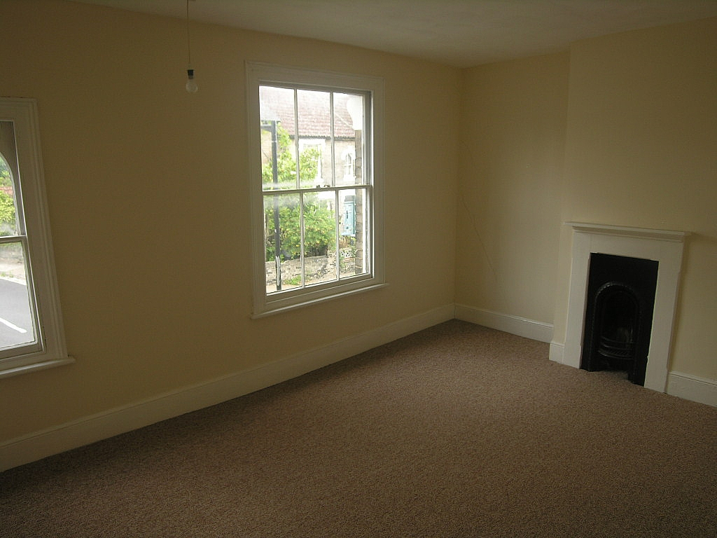 3 bedroom mid terraced house To Let in Ipswich - Photograph 4