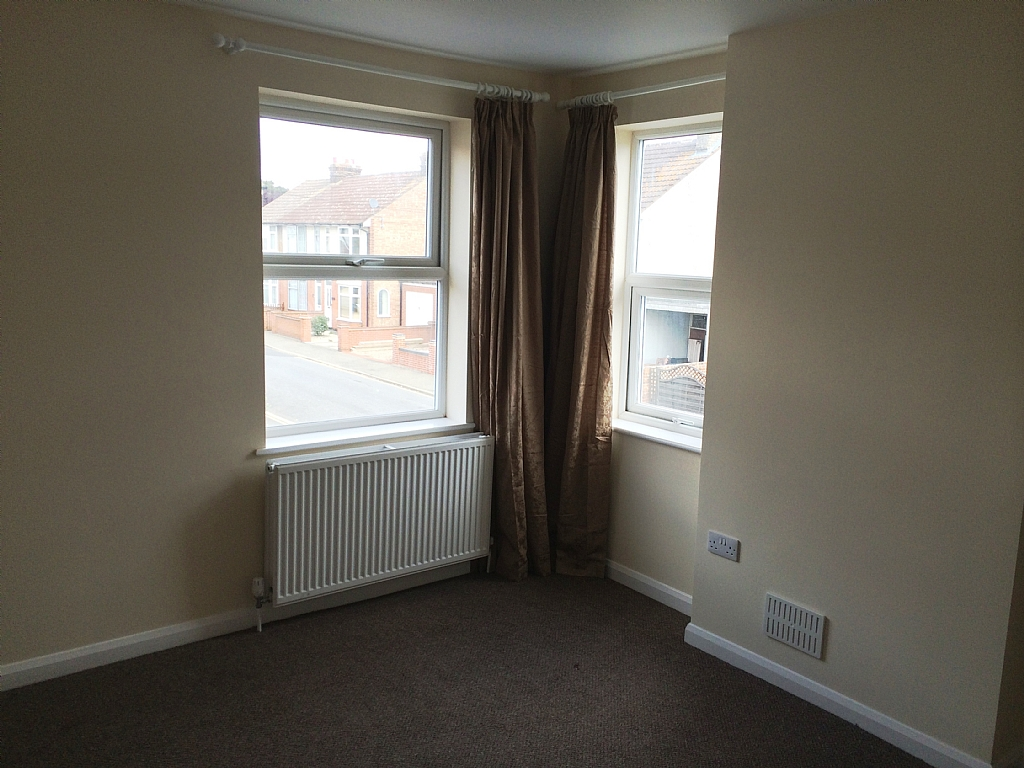 Flat Flat/apartment To Let in Ipswich - Photograph 2