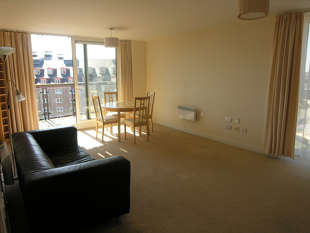 1 bedroom apartment flat/apartment For Sale in Ipswich - Photograph 2