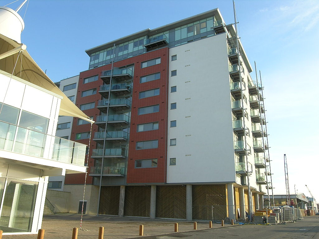 2 bedroom apartment flat/apartment Let in Ipswich - Photograph 1