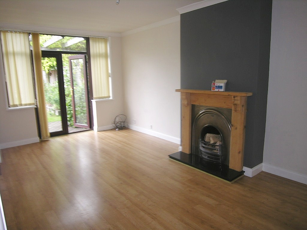 3 bedroom semi-detached house To Let in Ipswich - Photograph 3