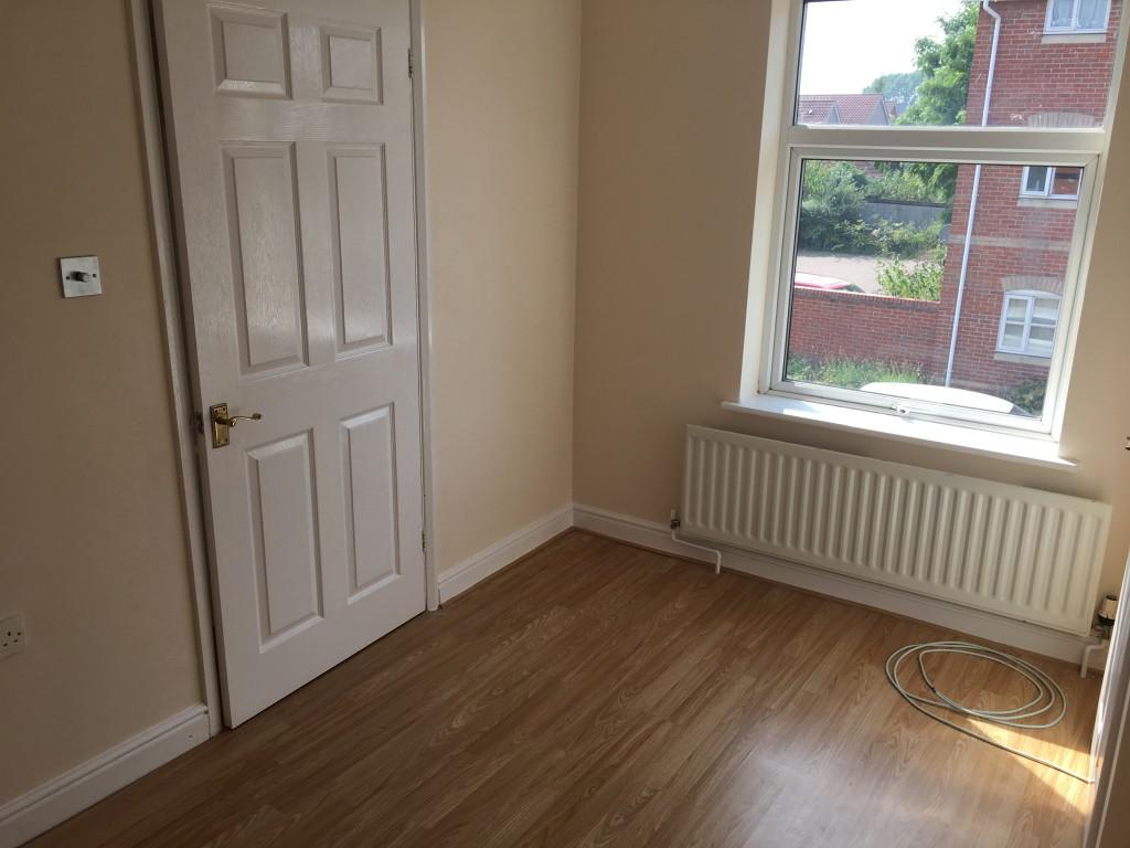 2 bedroom duplex flat/apartment To Let in Ipswich - Photograph 6