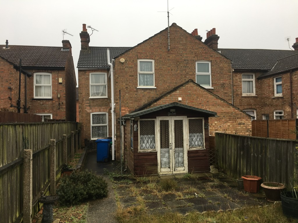 3 bedroom semi-detached house Under Offer in Ipswich - Photograph 8