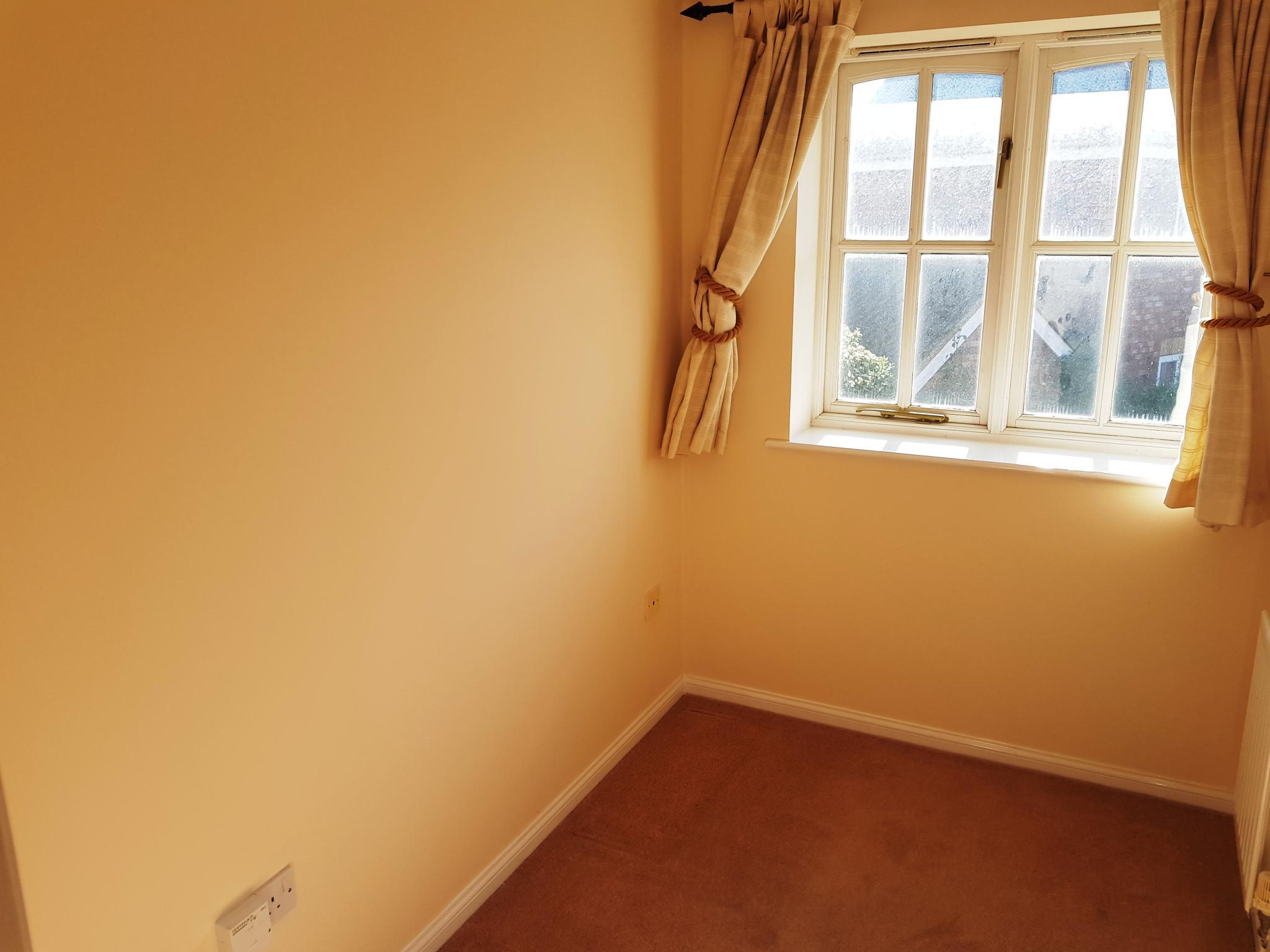 3 bedroom detached house SSTC in Ipswich - 8
