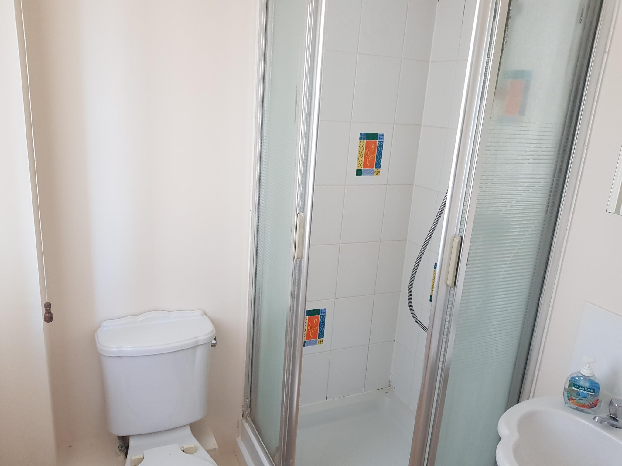 3 bedroom detached house SSTC in Ipswich - 9