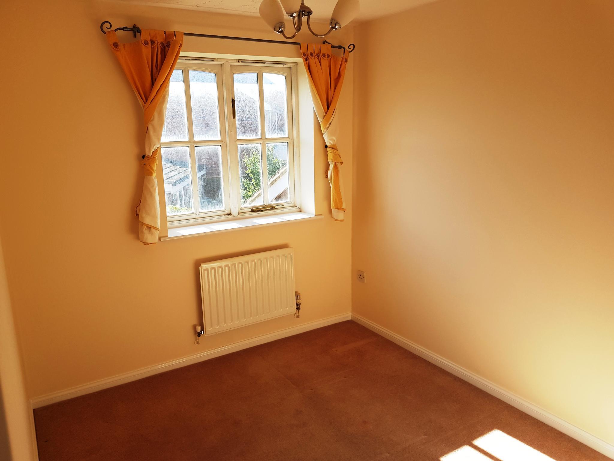 3 bedroom detached house SSTC in Ipswich - 7