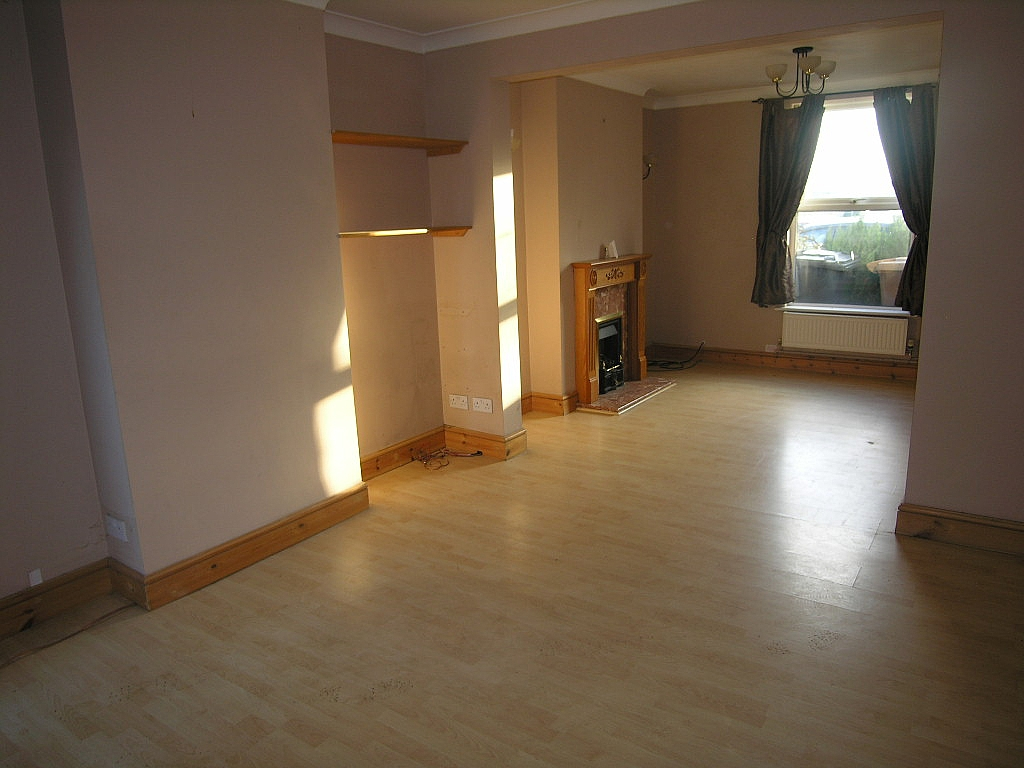 2 bedroom mid terraced house To Let in Ipswich - Property photograph