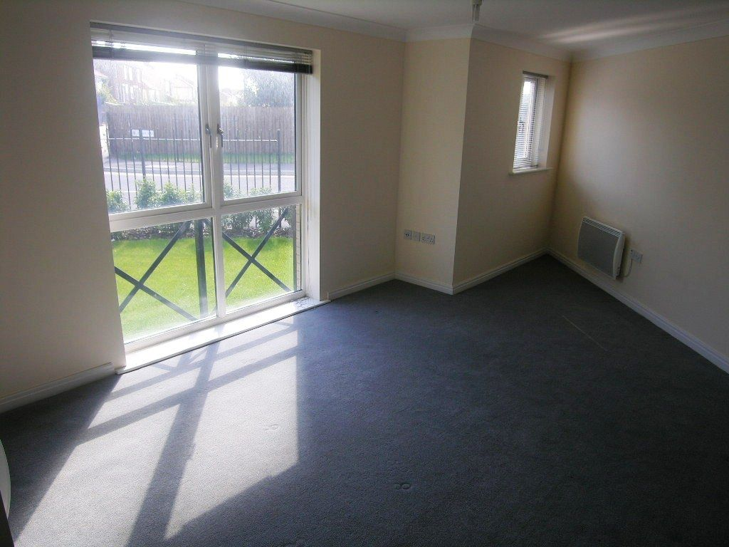 2 bedroom flat flat/apartment SSTC in Ipswich - Photograph 3