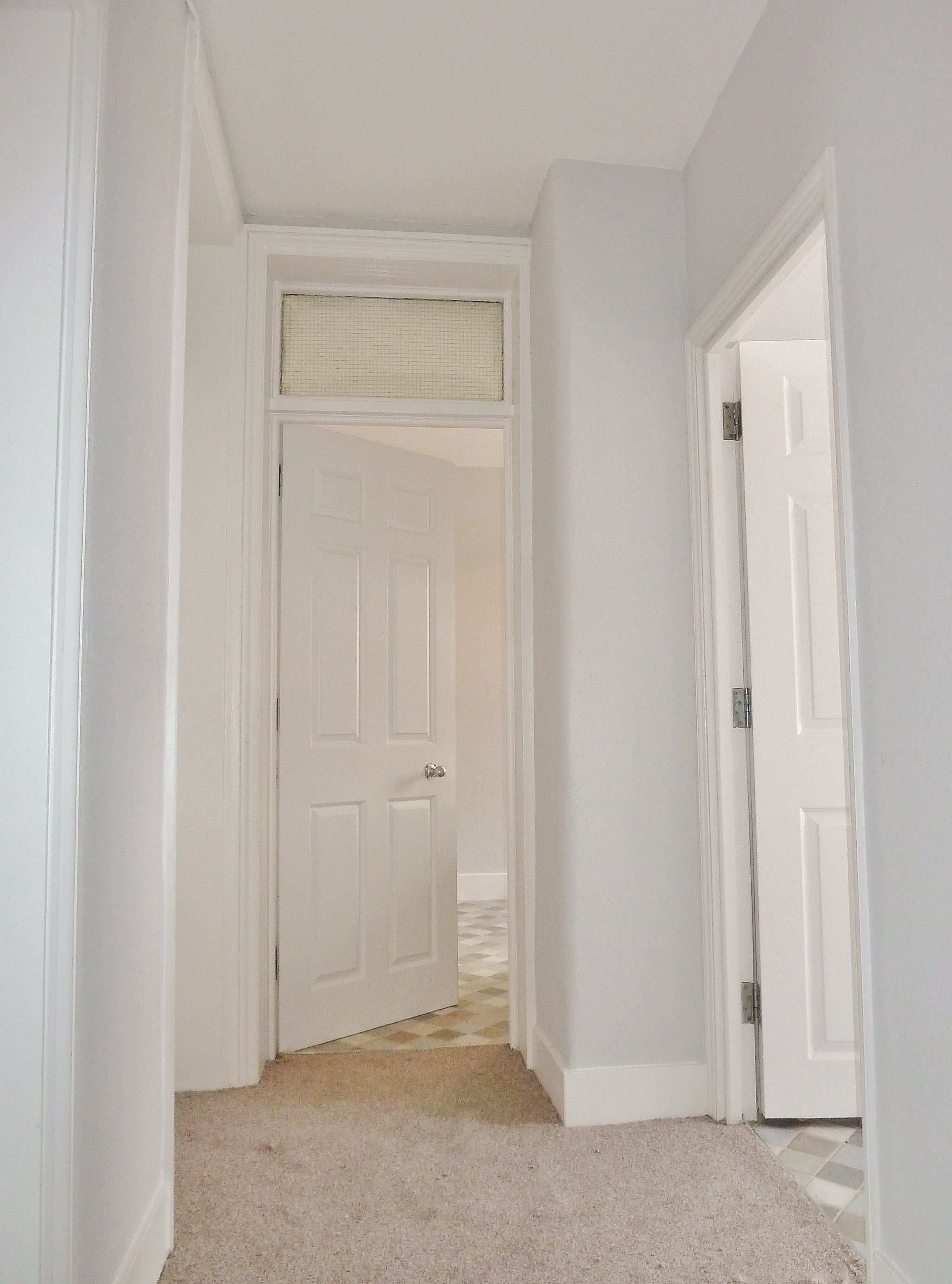 2 bedroom apartment flat/apartment To Let in London - Bright Entrance Hallway