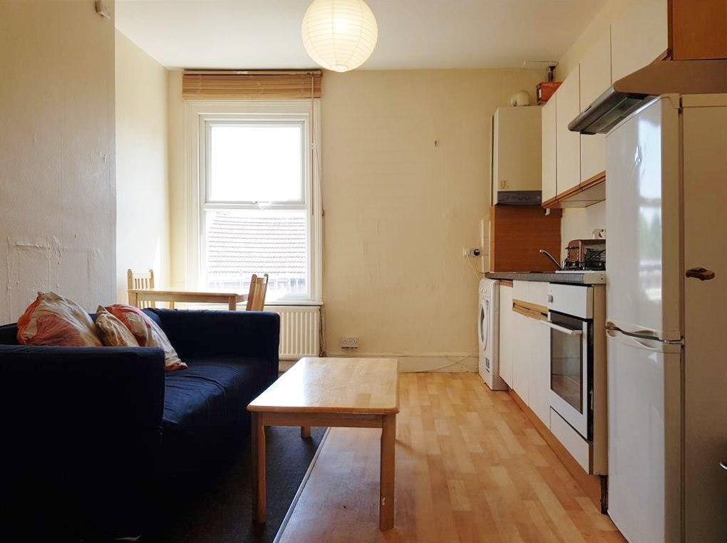 2 bedroom apartment flat/apartment To Let in Willesden Green - Open Plan Living Room / Kitchen