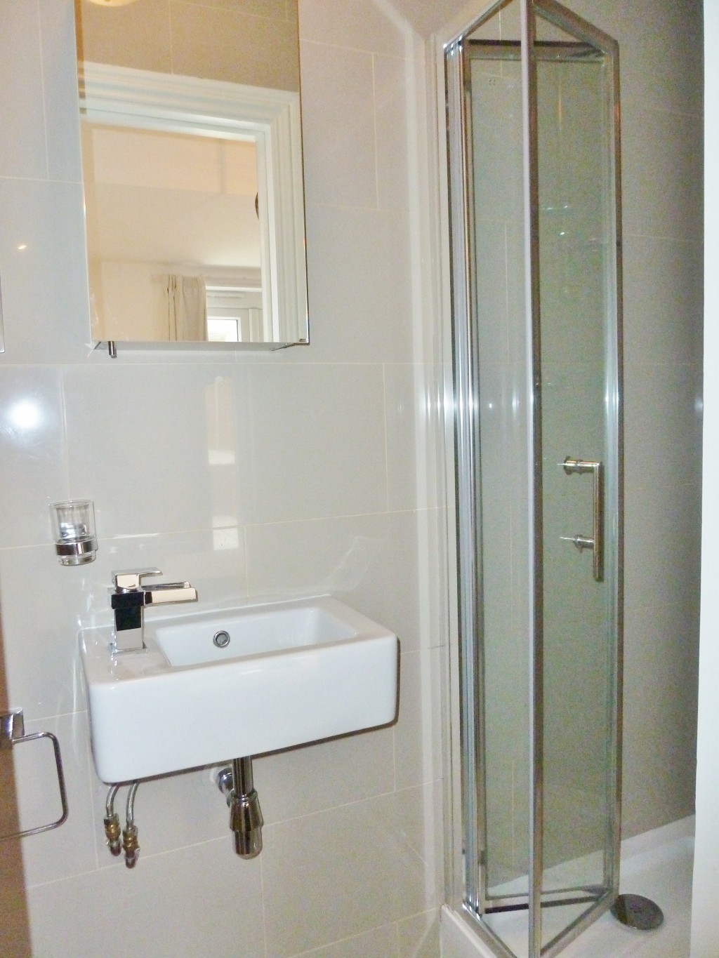 1 bedroom apartment flat/apartment To Let in London - Bathroom